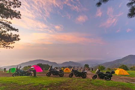 Camping orange tent at National Park in Northern,Thailand. 版權商用圖片 - 135971975