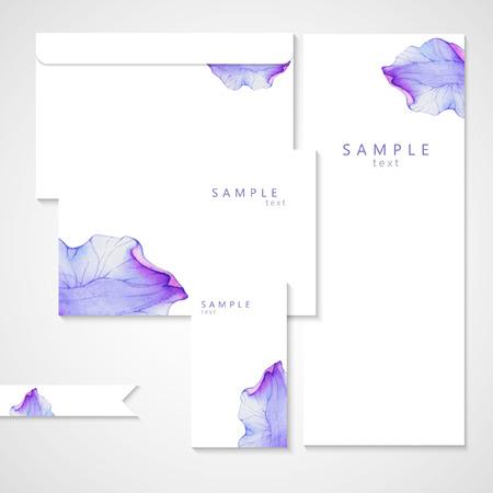 flor violeta: Tarjeta de la acuarela con el pétalo de una flor púrpura. Vectorizado dibujo de la acuarela. Vectores