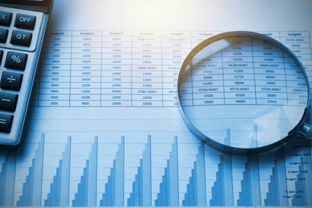 zakelijke documenten boekhouding met rekenmachine en vergrootglas. concept voor financieel Stockfoto