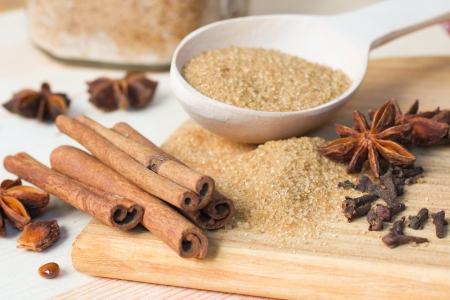 aniseed: Brown sugar, cinnamon sticks, star aniseed and cloves