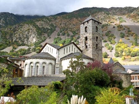 Church of Sant Esteve, the Landmark of the Old Quarter of Andorra La Vella Imagens