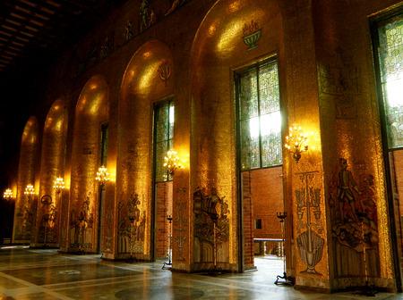毎年ノーベル賞授賞式が行われるゴールデンホールの金色のモザイクで飾られた壁は、ストックホルム市庁舎、スウェーデン