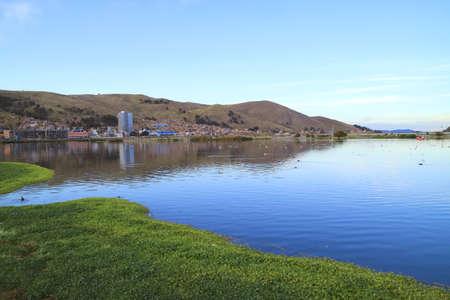 City of Puno on the Shore of Lake Titicaca, Peru, South America 版權商用圖片