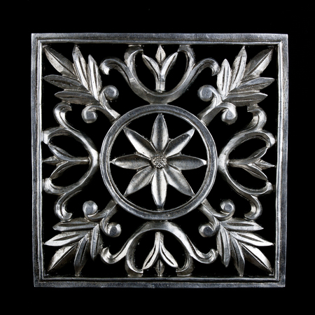 Decorative carving element with flower
