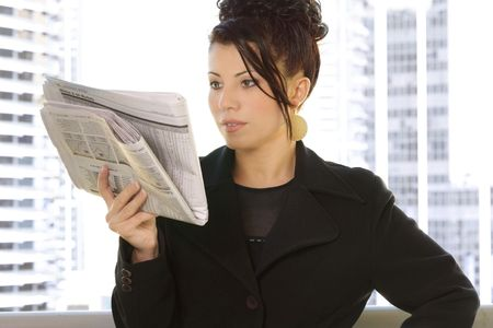 financial newspaper: Reading the financial newspaper