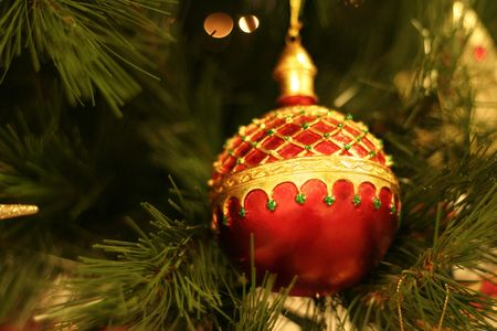 Christmas bauble, shallow dof, focus on bauble.