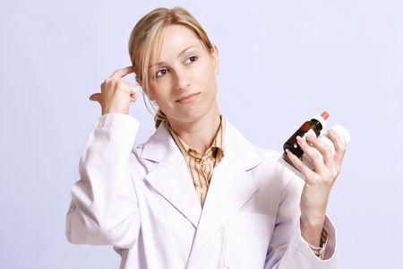 determining: Considerando naturales o medicinas alternativas o contemplando el derecho cura.  Foto de archivo
