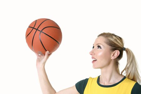 Mujeres jugando con una pelota de baloncesto - rodaje aros  Foto de archivo - 570538
