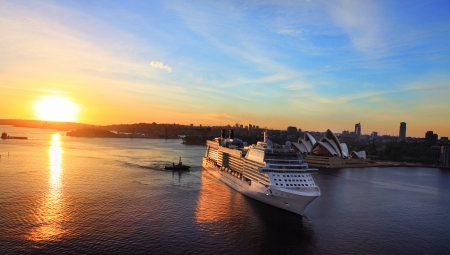 lifeboats: Sydney, Australia - November 28, 2013   Celebrity Solstice, one of Australia