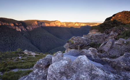 bushwalk: Pierces Pass looking over the Grose Valley, Blue Mountains, just after sunrise.