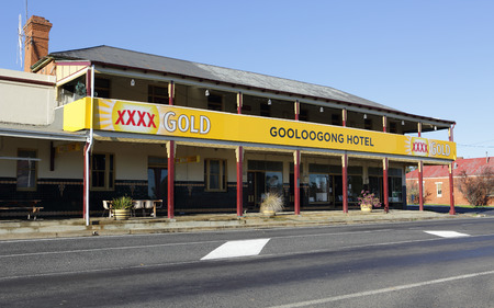 socialise: GOOLOOGONG, AUSTRALIA  SEPTEMBER 19, 2015;  The Gooloogong Hotel, located in Gooloogong a rural town  situated on the Lachlan Valley Way between Forbes and Cowra