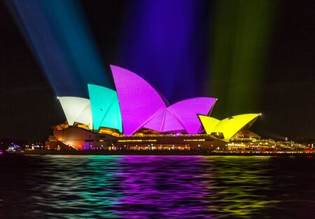 Sydney, Australia - May 25, 2018;  Sydney Opera House lit with bold vibrant colours  patterns and motion graphics during the Annual Vivid Sydney celebrations Éditoriale
