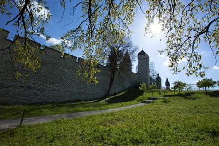Die Museggmauer oder Museggmauer, wurde im 14. Jahrhundert zum Schutz Luzern in der Schweiz gebaut. Die Museggmauer und seine Türme sind gut erhalten und für die Öffentlichkeit zugänglich. Standard-Bild - 44575674