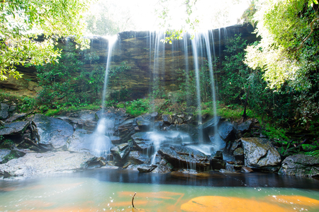 Phu Kradueng National Park, is the highland located in the north-east of Thailand. The National Park consists of fresh forest, and is the source of streams. The Tamsor Nua Waterfall, is one of the Phu Kradueng's attractions. Standard-Bild
