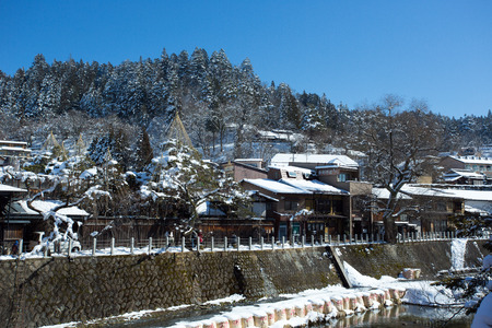 Takayama is a town located in the Japan Alps area. Founded about 300 years ago, Takayama is knonw as Little Kyoto, and voted as the most beautiful old town in Japan.