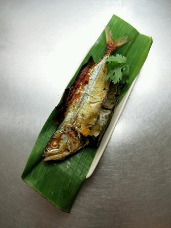 pescado frito: Malasia Alimentaci�n pescado frito relleno de Sambal
