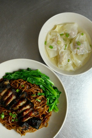 char: Chinese Malaysia Hawker Street Food Wantan Wonton Noodles with Char Siu Stock Photo