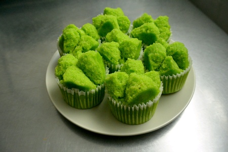 Green Pandan Chinese Steamed Cakes