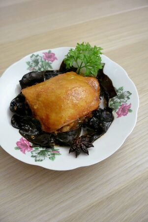 Malaysian Chinese Food  Chicken & Wood Ear Fungus with Red Preserved Bean Curd Nam Yue 版權商用圖片 - 138329572