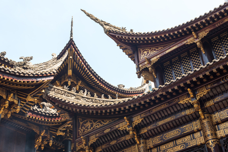 Traditional chinese architecture details in BaoLunSi temple Chongqing Imagens - 103910177