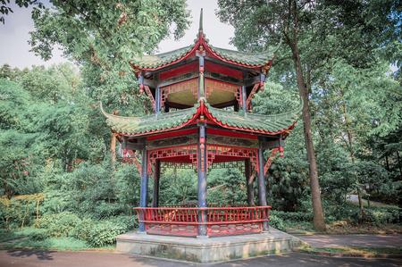 Pabellón chino en un parque, Chengdu, China