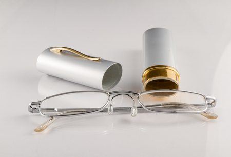Reading glasses with a case Imagens