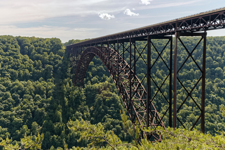 west river: The 3030 ft long New River Gorge Bridge in Fayetteville, West Virginia