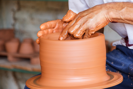 erudition: A potter making a pot at his workshop in Camaguey, Cuba Stock Photo