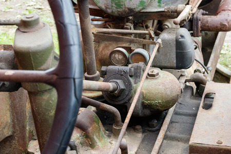Details of the steering mechanism of an old tractor Imagens