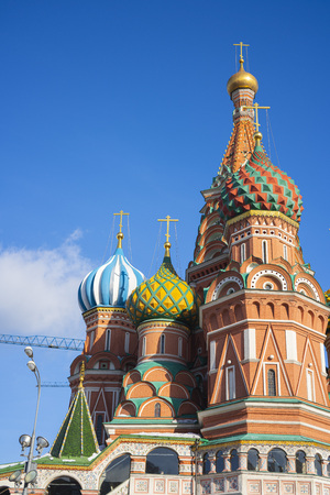 The view of Cathedral of Vasily the Blessed, commonly known as Saint Basil's Cathedral, is a church in Red Square in Moscow, also is one of the most recognizable symbols of the country. 写真素材 - 123163564