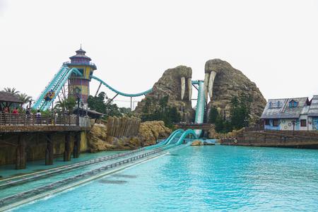 Zhuhai, China, November, 2018: Chimelong theme park at the daytime. 新聞圖片