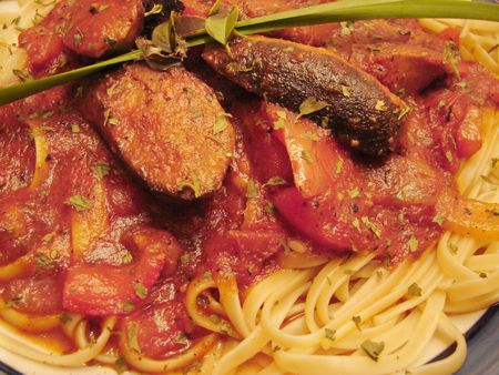 Sausage with Marinara and Linguini Noodles