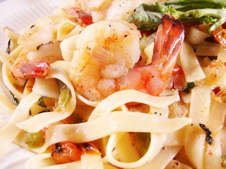 Fettuccine noodles with prawns Stock Photo - 6274963