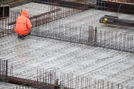 男は、建築の労働者