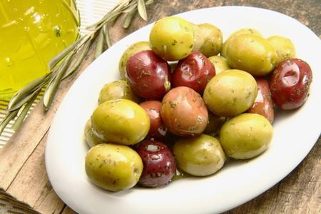 olives oil photo