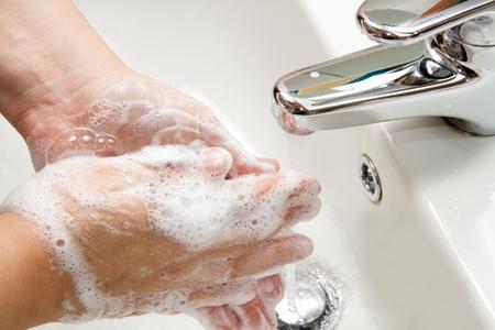 lavage mains: se laver les mains  Banque d'images