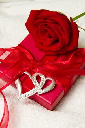 rose with gift box photo
