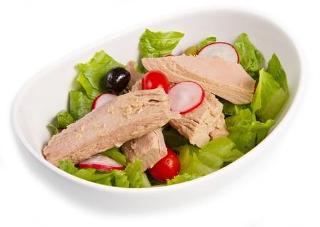 raddish: Tuna salad with tomatoes, olives and raddish Stock Photo