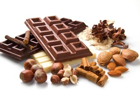 diversi tipi di cioccolato con ingredienti Archivio Fotografico