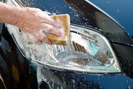 autolavado: lavando un coche Foto de archivo