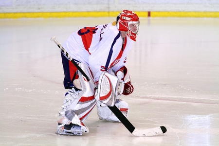 goalkeeper: gardien de hockey sur glace