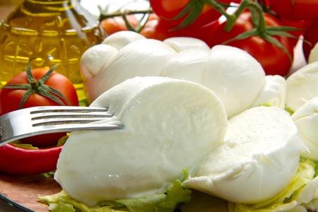 una mozzarella fresca con pomodoro italiano