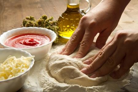 pizza: Voorbereiden pizzadeeg