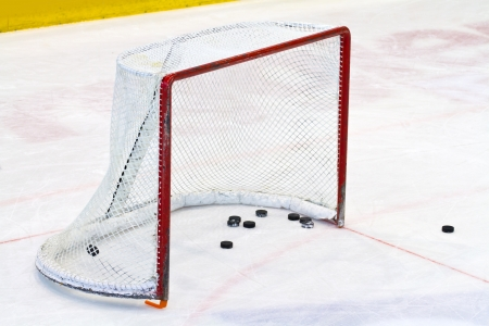 ice surface: ice hockey net Editorial