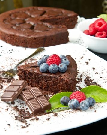 chocolate slice: chocolate cake with fresh berry