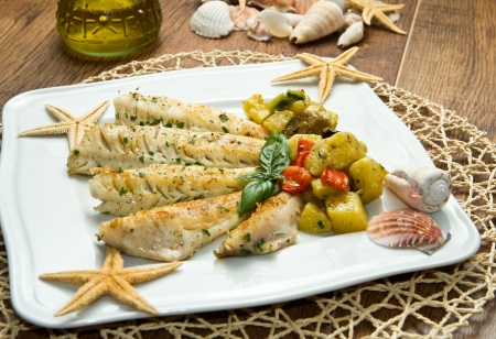 Tasty healthy fish fillet with vegetables Stock Photo - 14788588