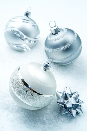 wintry: wintry silver Christmas decorations