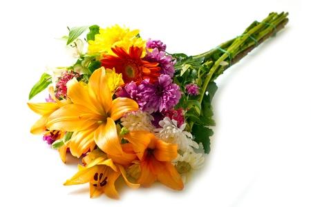 schönen Bouquet von bunten Blumen auf weiß isoliert