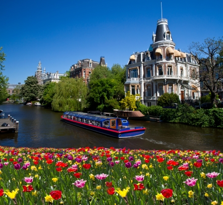 One of canals in Amsterdam Stock Photo - 18364943
