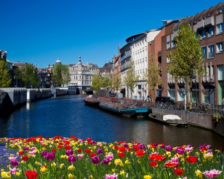 One of canals in Amsterdam Stock Photo - 18364878